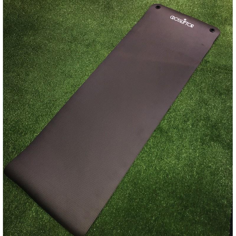 Tapis Fitness Noir avec oeillet déroulé